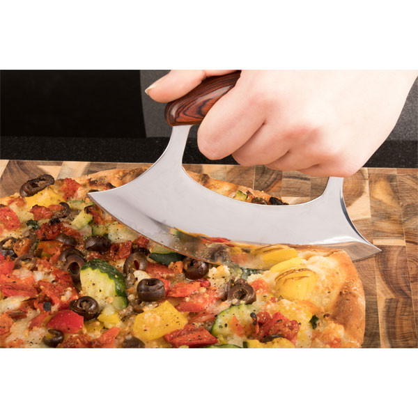 Ulu perfectly slices homemade pizza